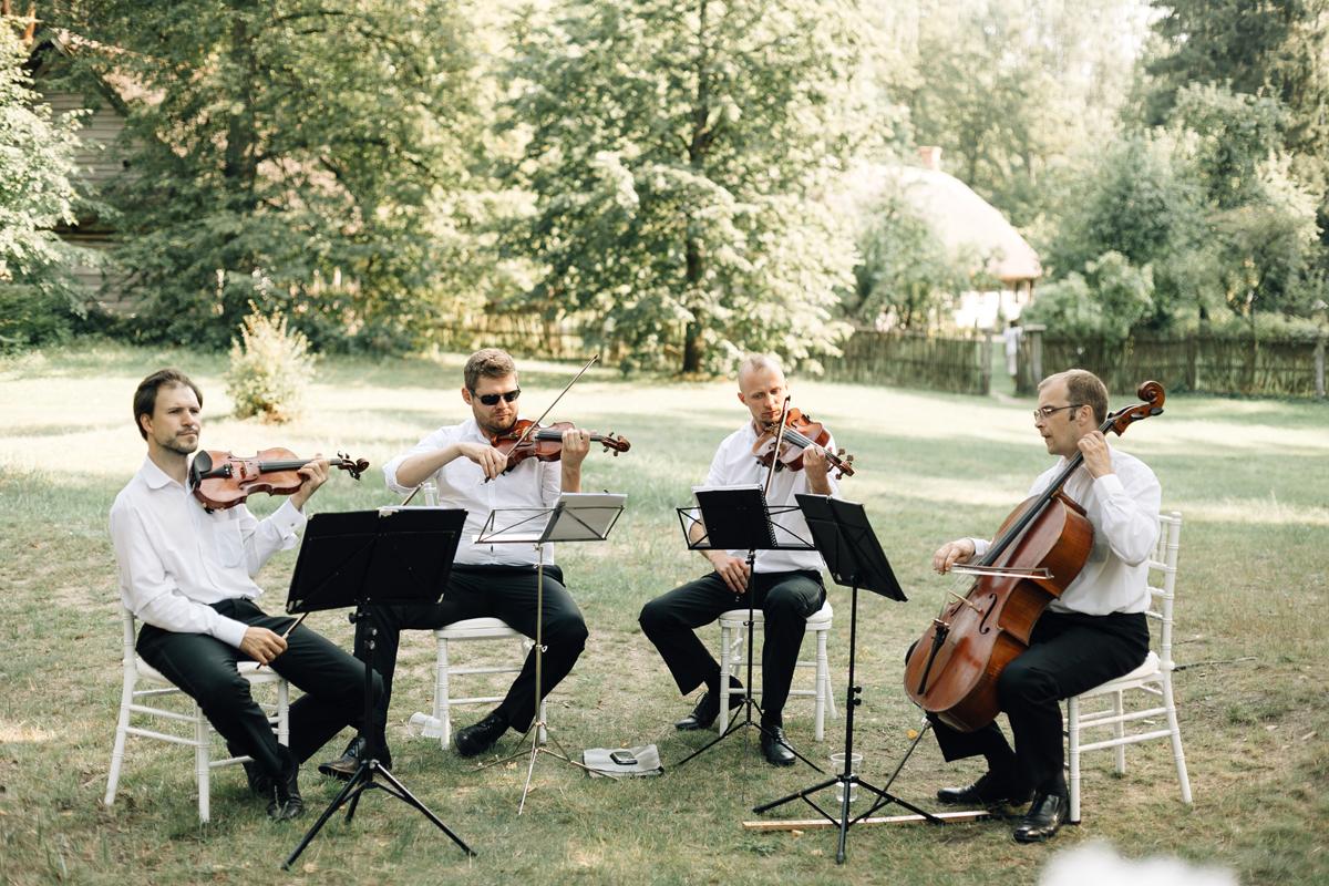 607-Petersone-Liene-wedding-blog